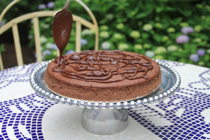Paleo Chocolate Cheesecake