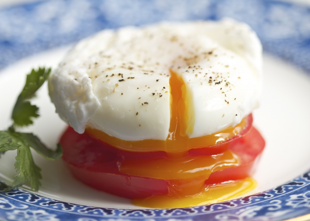 poached egg on tomato