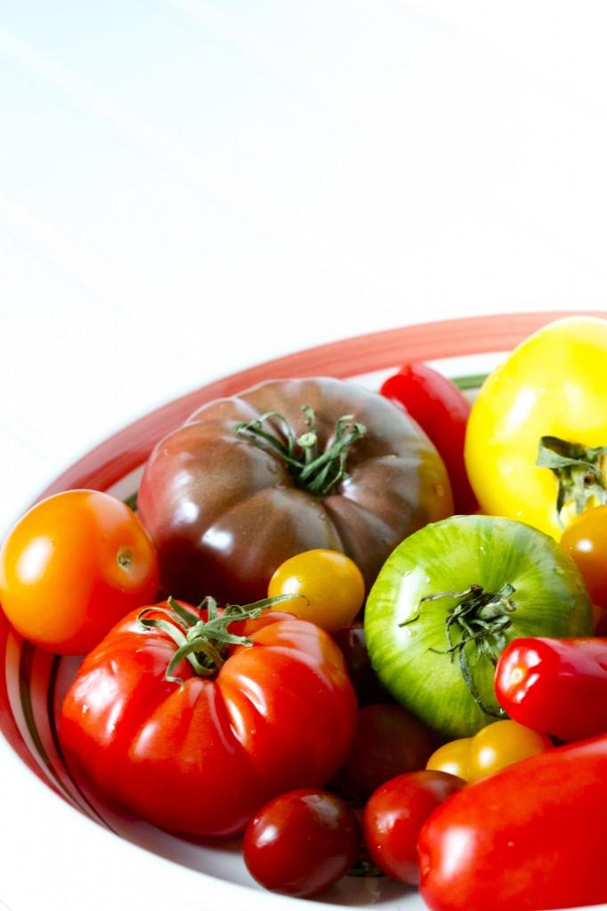 heirloom tomatoes vertical