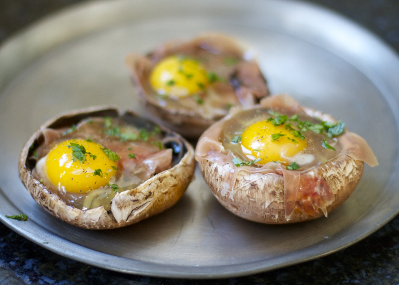 baked eggs herbs in portabella mushroom capseating well baked eggs ...