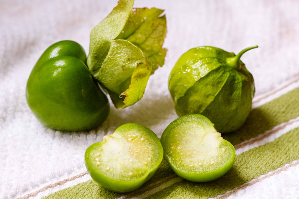 cut tomatillo