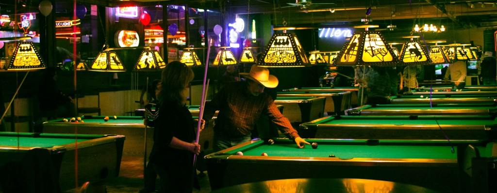 Playin' Pool at Billy Bob's | photography by Lea Valle