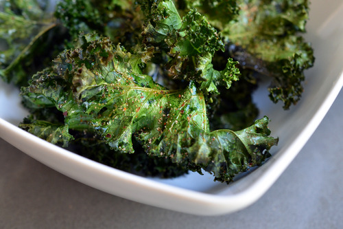 kale chips roasted kale chips with sea salt and vinegar chili sauce ...