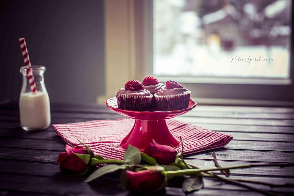 Paleo Chocolate Cupcakes with Strawberry Cashew Cream Frosting | Paleo Spirit