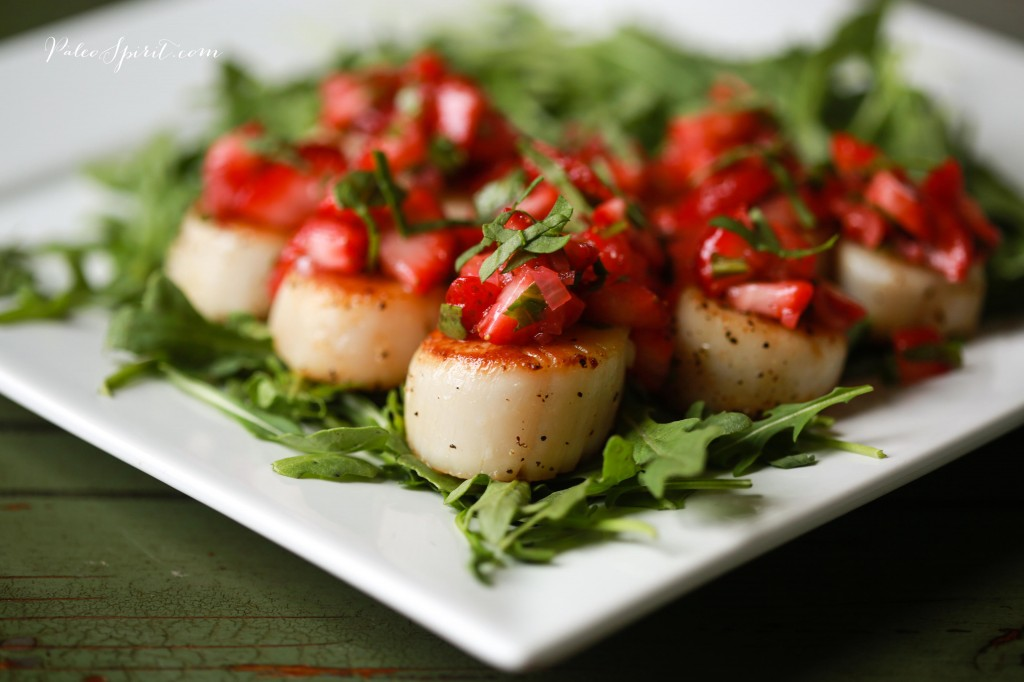 Scallops with Strawberry Relish | PaleoSpirit
